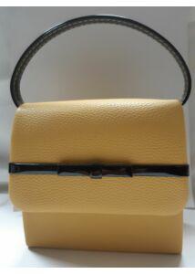 Mustár táska fekete masni díszítéssel